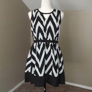 Romeo + Juliet Couture Zig Zag Dress